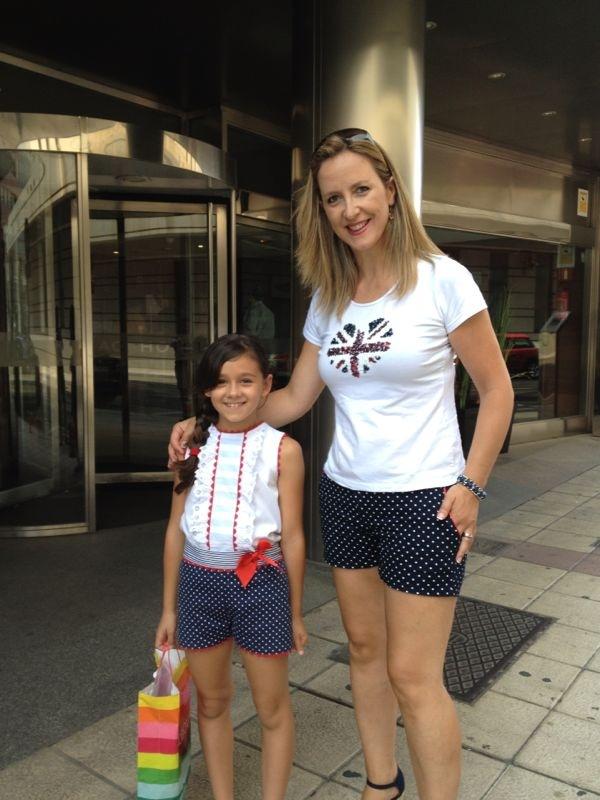 Lucia y yo con los mismos short jajaja si al final la convencemos para que haga ropa para mamas...