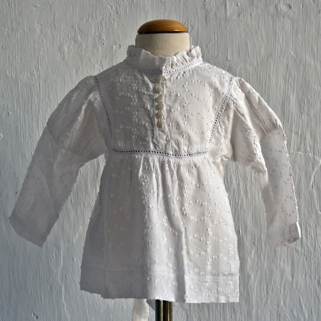 Blusa blanca de Oh Soleil: T 14 AÑOS