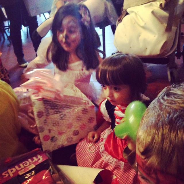 regalos... muchos regalos... demasiados regalos....