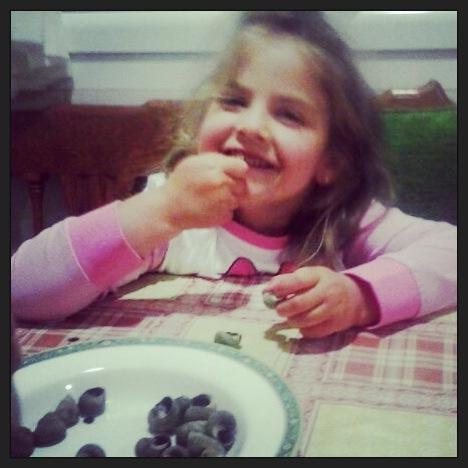Cenado vigaros en casa de su abuela... como la gustan..