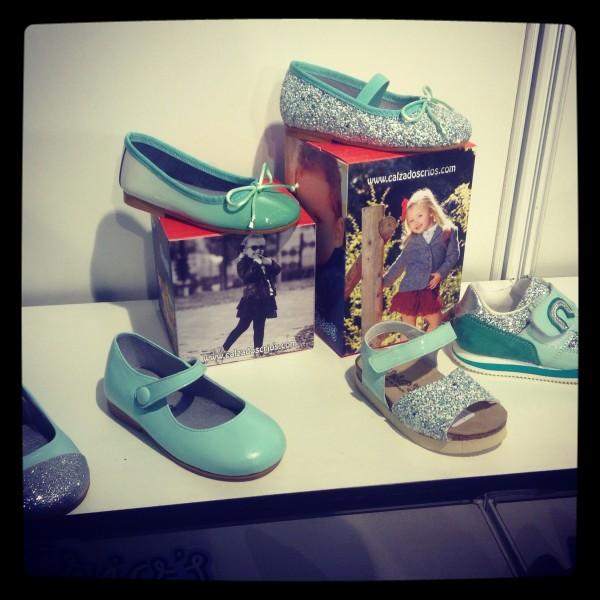 verde agua en muchisisismos zapatos.. estos son de crios