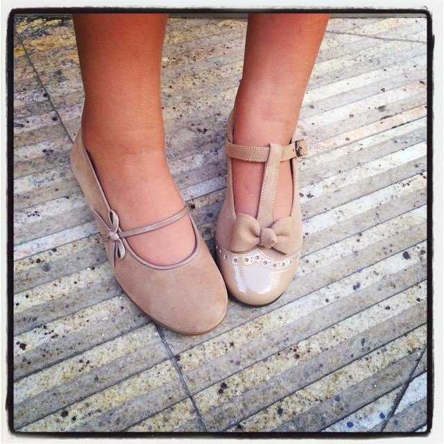 unos 49,90 y los otros 53€ de precio estan genial... ademas son de calidad que los pies hay que cuidarlos.