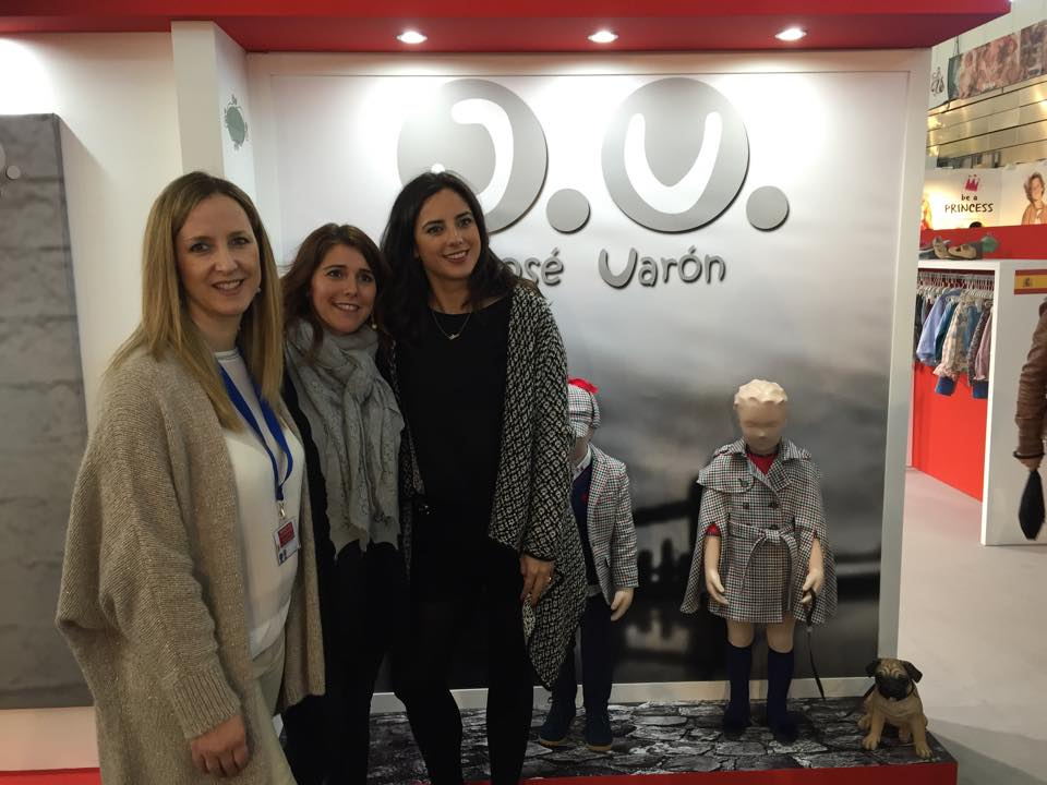 Con las niñas de Jose Varon... Euguenia y su hermana no pueden ser mas guapas....