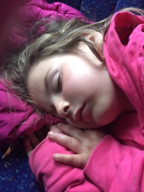Fue llegar al bus y quedar dormida... mi bebe solo aparece cuando duerme...