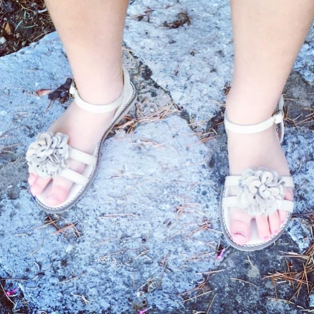 Sandalias de Ana Zapatos.. genial de precio.