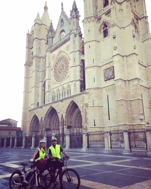 No lo puedo negar... Para mi la Catedral de León es la mas bonita del mundo...