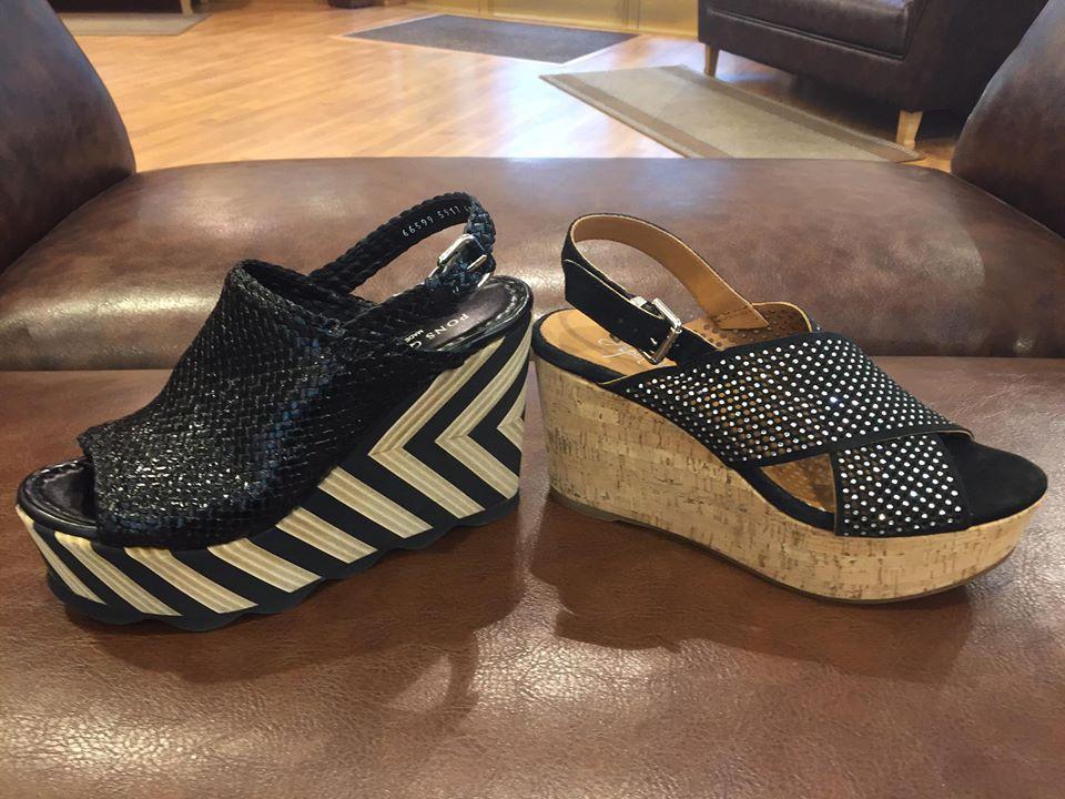 Las sandalias son de Zapatería Ángel Martinez.