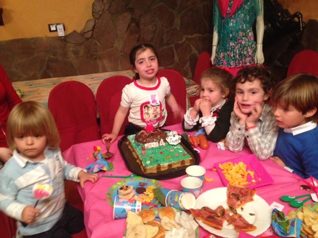 Mis niños todos juntos... vaya cumpleaños mas divertido...