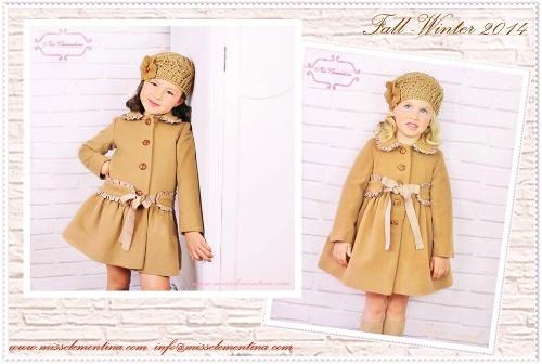 Miss Clementina siempre acierta con los abrigos. Teneis el mismo modelo en distintos colores.