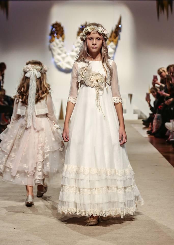 Este vestido sin la flor me enamoro en FIMI